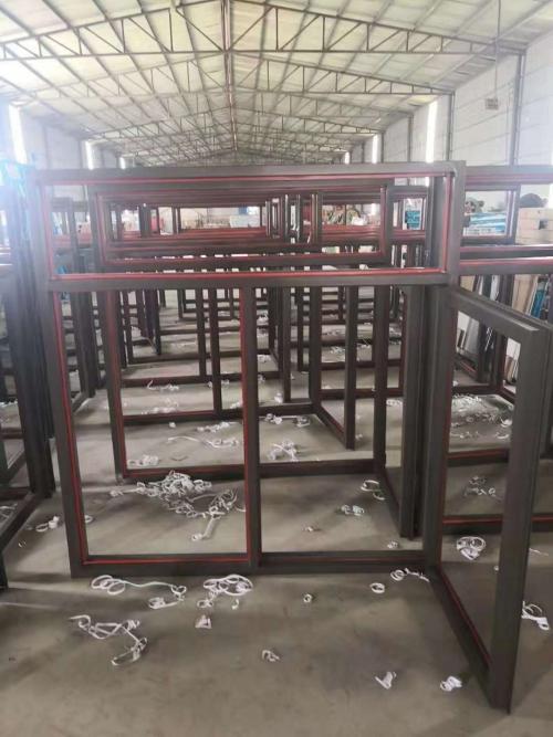 塑料耐火系统窗材料配置分析